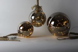 Dekokugel am Hanfseil mit 12cm Durchmesser und einer 20 warmweiße LED Lichterkette, Batteriebetrieben mit Timer